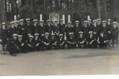 Kader, instructeurs en medewerkers EMV School te Hilversum 1976 (bij afscheid van de divisiechef)